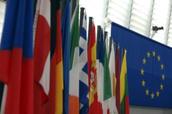 L'Ue avverte l'Italia: Ridurre le tasse sul lavoro