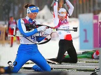 Biathlon, Italia bronzo in staffetta mista. Oro alla Norvegia