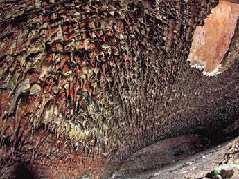 Caverne e stalattiti, quel mistero dentro la fortezza russa di Zverev