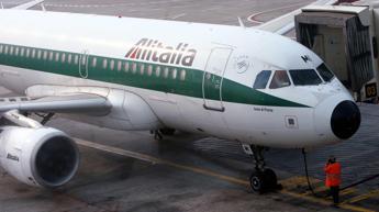 Alitalia, Poste: Non ha fornito gli elementi necessari per una compiuta valutazione sull'accordo con Etihad