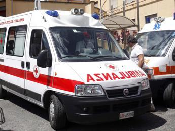 Rami caduti per il maltempo, due feriti a Roma