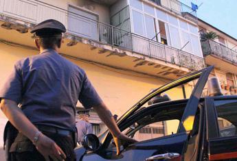 Maltratta il padre anziano e lo costringe a dormire in auto, arrestato a Bisceglie