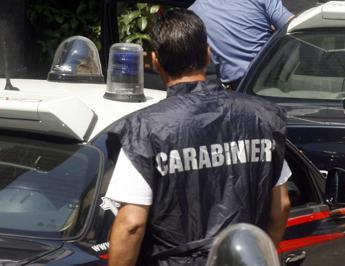 Accoltella ex collega per un debito, arrestato dai carabinieri nel milanese