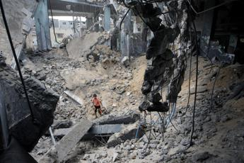 Operazioni israeliane a Gaza, 11 palestinesi uccisi nella notte, bilancio sale a 1.822 morti