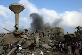 Ministro palestinese, servono miliardi di dollari per ricostruzione Gaza