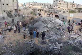 Human Rights Watch, stop ad attacchi su obiettivi civili