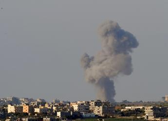 Tregua interrotta, ancora raid e razzi, 203 morti nella Striscia di Gaza