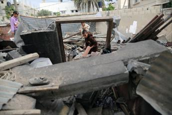 Ripresi raid israeliani sulla Striscia di Gaza, un morto a Khan Yunis