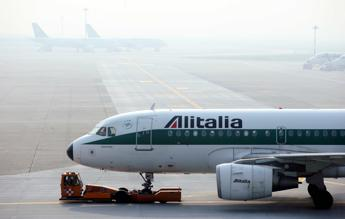 Alitalia, i sindacati: Le posizioni sono distanti, la trattativa è complicata