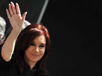 Argentina, distorsione con frattura alla caviglia sinistra per la presidente Kirchner