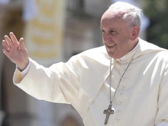 Lunedì il Papa vedrà i parenti a Torino, il cugino: Lo chiameremo Giorgio