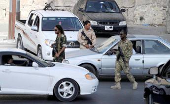 Libia: governo, palazzi pubblici di Tripoli in mano a milizie