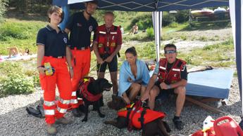 Estate: turista polacca salvata da unità cinofile nel lago Bilancino