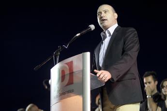 Bonaccini vince le primarie in Emilia, è il candidato Pd per la sfida del dopo Errani