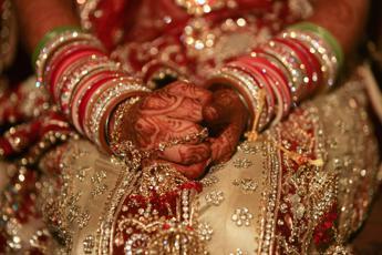 Puglia, al via nozze indiane: prima serata tutta all'insegna dell'oro