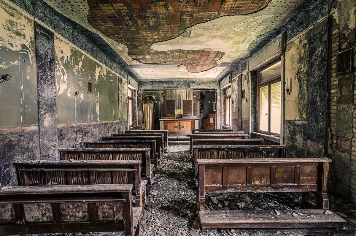 l 39 italia abbandonata negli scatti di baptiste ales che