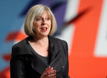 L'Is potrebbe attaccarci con armi nucleari, l'allarme del ministro dell'Interno britannico