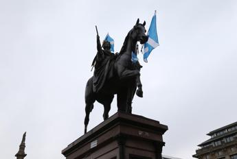 La Scozia vota per l'indipendenza, un Paese diviso tra sì e no