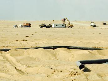 Sui cantieri del nuovo Canale di Suez, la sfida del faraone al-Sisi