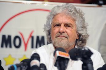 Rispunta norma 'ammazza blog' contro Grillo, M5S insorge: