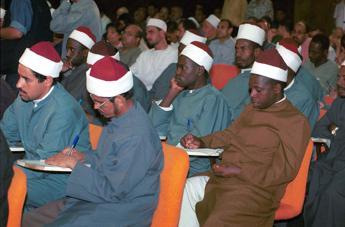 Il Grande Imam di al-Azhar chiede un ripensamento dell'insegnamento religioso islamico contro l'estremismo