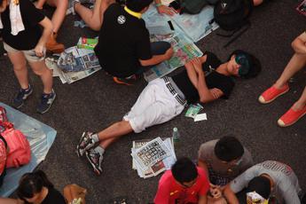 Hong Kong: governo accetta dialogo con studenti