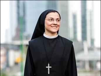 Suor Cristina: Donerò il mio album a Papa Francesco e spero che benedica la mia 'missione' canora