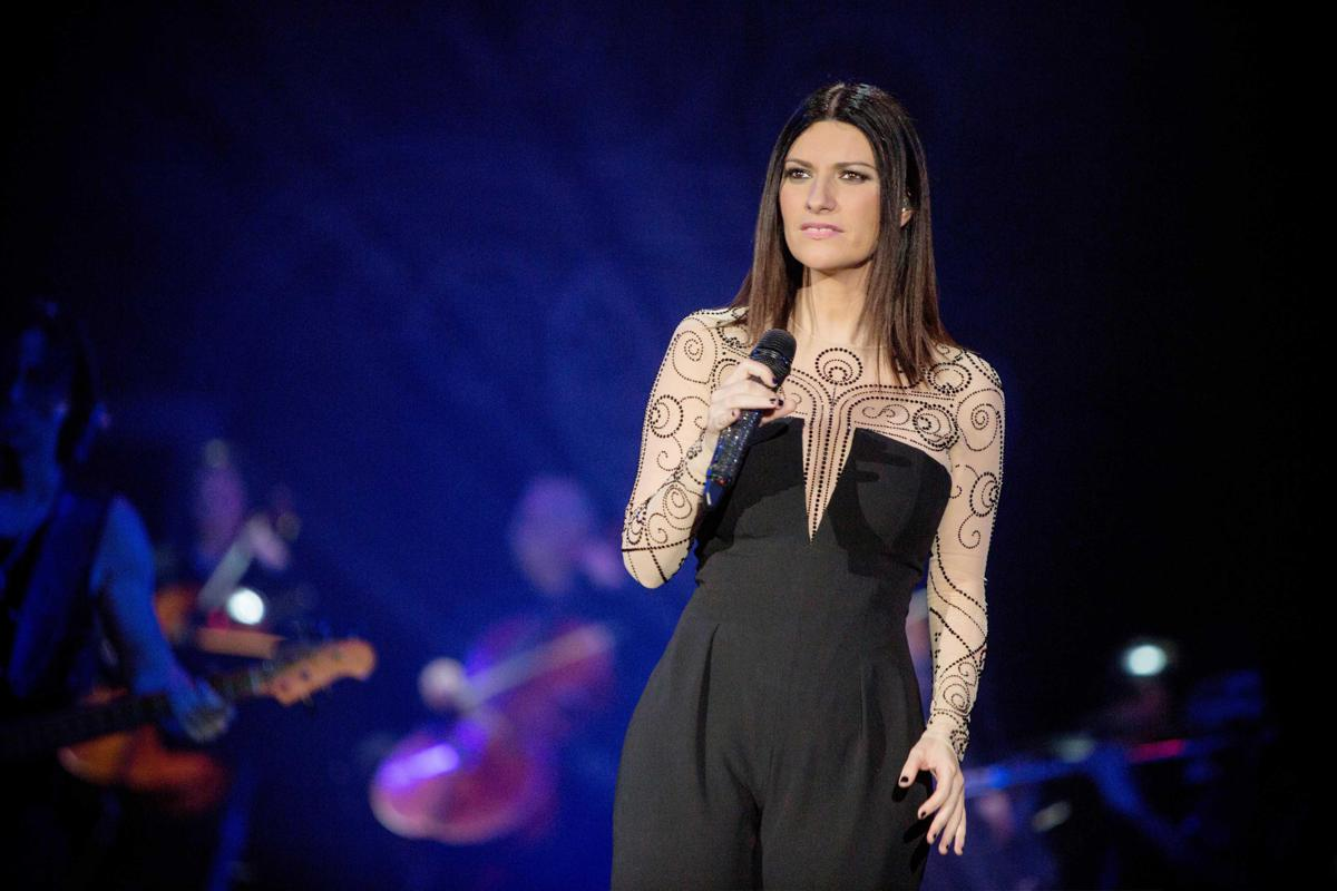 Musica: Laura Pausini incanta Chicago cantando in 5 lingue Cantando Music Festival