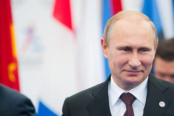 Arriva il profumo di Putin, 'forte ma delicato' e costa 77 euro