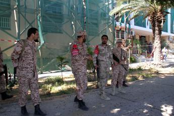 Libia: forze filo-governo conquistano valico con Tunisia