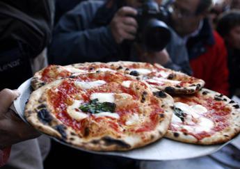Pizza patrimonio dell'Unesco, Pecoraro Scanio: Candidati Regione sostengano mobilitazione