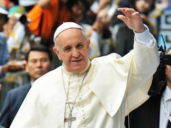 Papa: Al Sinodo sulla famiglia nessuna censura, i vescovi hanno parlato forte e chiaro