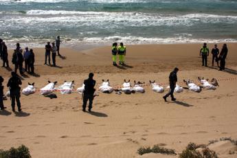 Immigrati, Renzi: Basta strumentalizzazioni, il problema è in Libia