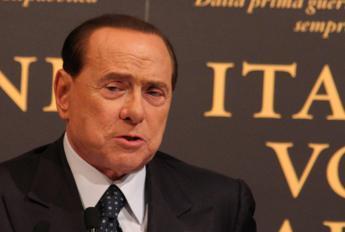 Berlusconi scrive alle Olgettine: Vi voglio bene, ma non pago più