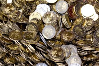 La Lituania adotta l'euro. Draghi, bene per Vilnius e l'Eurozona (Video)
