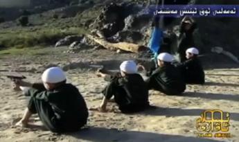 Talebani usano libri di testo pro jihad finanziati dagli Stati Uniti per indottrinare i bambini