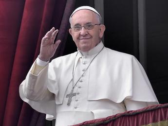 Papa: Bambini abusati e massacrati, il loro silenzio grida