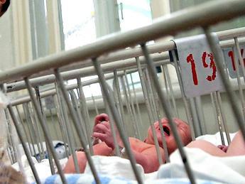 A Monza 2 bebè morti di pertosse in 5 anni, l'appello del medico per vaccinare le mamme