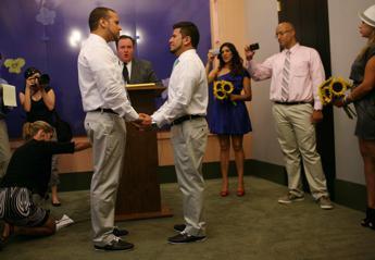 Matrimonio In Extremis : Usa: alabama giudice tenta di bloccare in extremis nozze gay