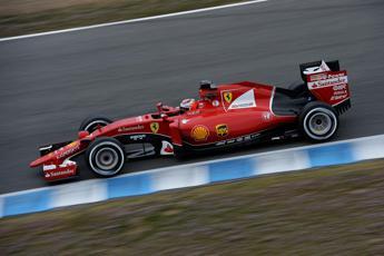 Test Montmelò, Maldonado leader e Ferrari veloce con Raikkonen