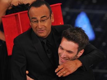 Sanremo prosegue la sua marcia trionfale, quasi 10 milioni per la quarta serata. Stasera la finale /SPECIALE