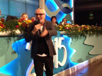Sanremo, 'blitz' di Panariello in sala stampa: E' il festival di San Carlo/VIDEO