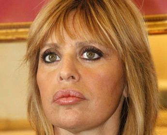 Alessandra Mussolini, con pennelli e colori i miei 'Graffi' alla vita /Video