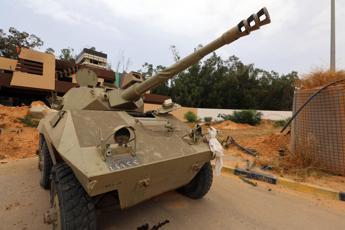 Libia, milizie di Misurata e Zintan raggiungono accordo preliminare per stop ai combattimenti