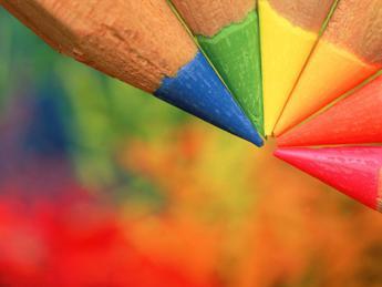 Dalla fisica alle arti visive, è la 'magia' del colore