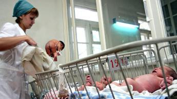 Nati in Italia primi 6 bimbi sani da embrioni 'malati'
