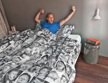 Notti in bianco per l'afa, dal futon all'anguria i consigli per dormire