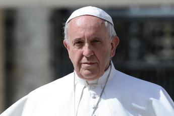 Papa Francesco sprona la Cei: Niente timidezze contro corruzione senza vergogna