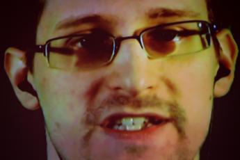 Caso Nsa, Snowden: Governo italiano dia risposte su sorveglianza