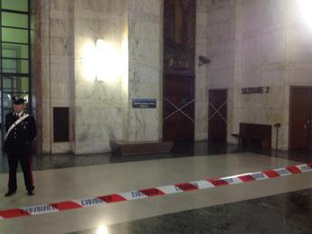 Sparatoria al tribunale di Milano, tre morti e due feriti Il killer ai carabinieri: Volevo uccidere un'altra persona /Foto